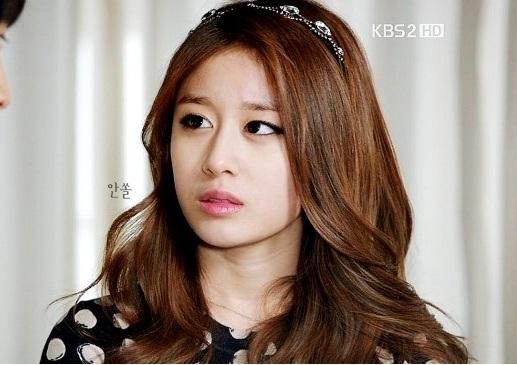 Real Asian Beauty: Dream High 2 - Ji Yeon Inspired Nail Art