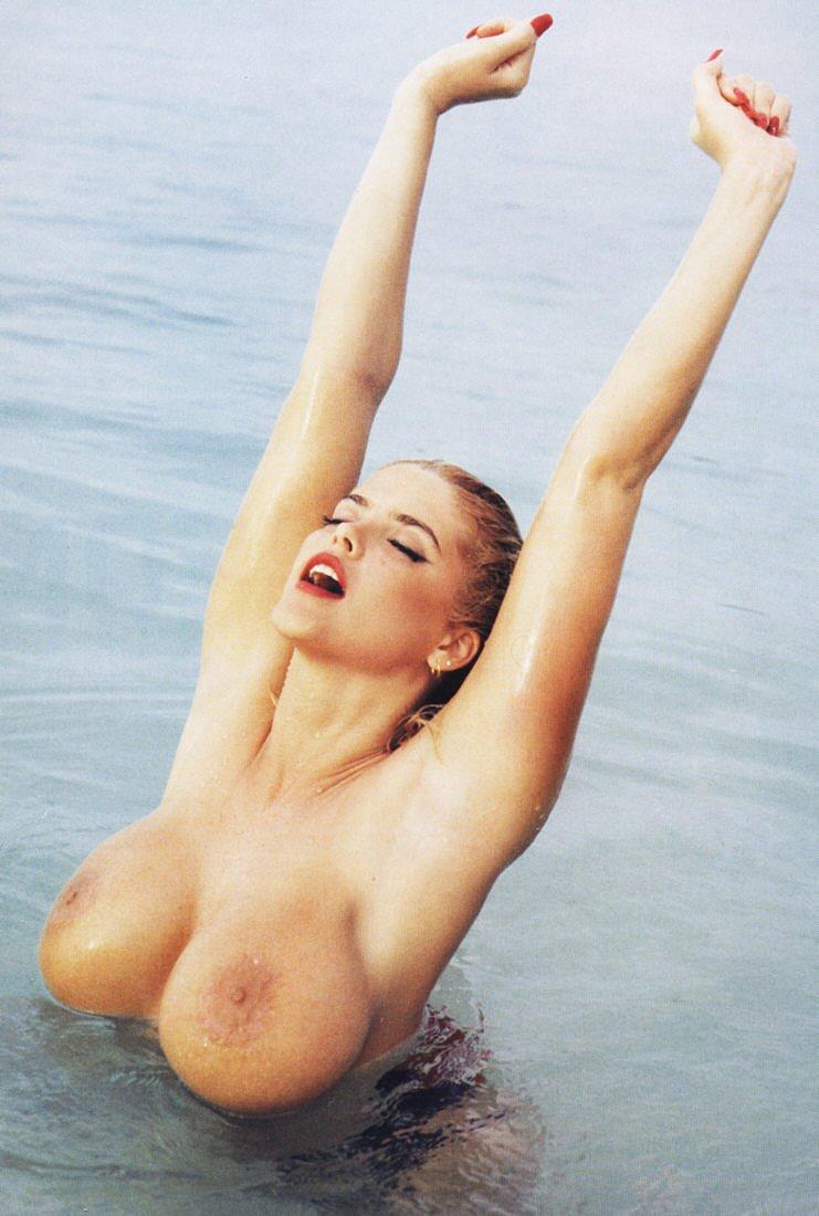Anna Smith Nude 61