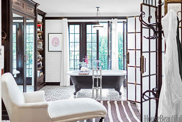 Mix And Chic: An Industrial Chic Bathroom In Los Angeles