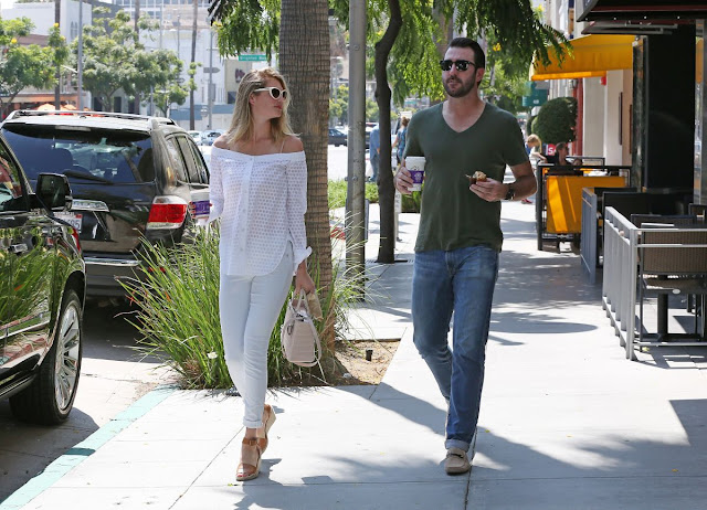 Kate Upton Leaves Coffee Been Tea Leaf in Beverly Hills