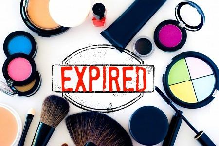 When does your makeup expire by Barbie's Beauty Bits