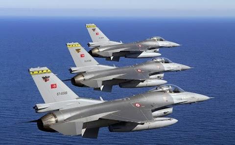 """Sok kurd szakadárt """"ártalmatlanított"""" a török légierő Délkelet-Törökországban és Észak-Irakban"""
