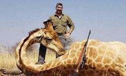Οργή για κυνηγό που σκότωσε δεκάδες άγρια ζώα στην Αφρική για να βγάλει σέλφι