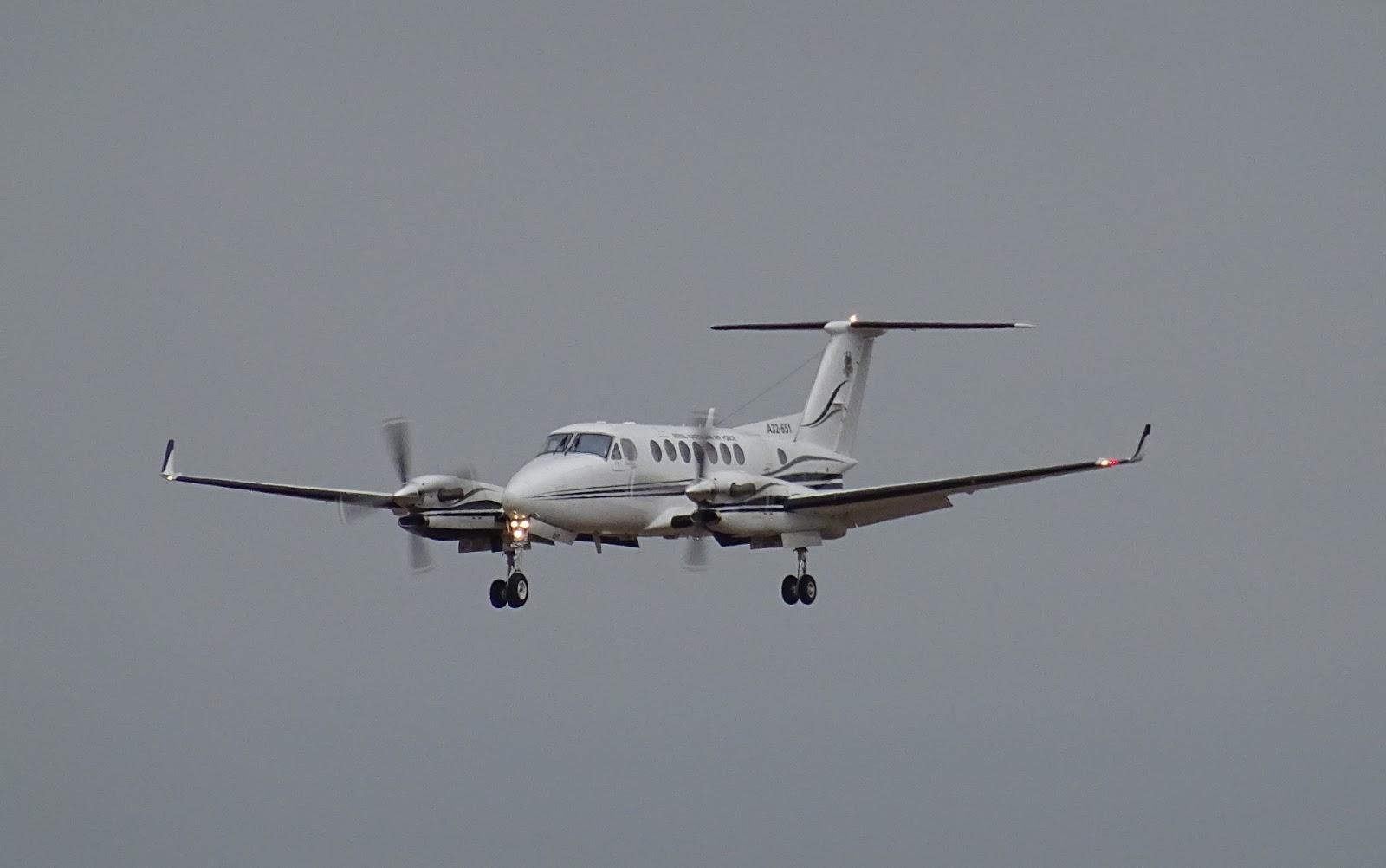 Air Queensland.blogspot: RAAF King Air B350 A32-651 visits