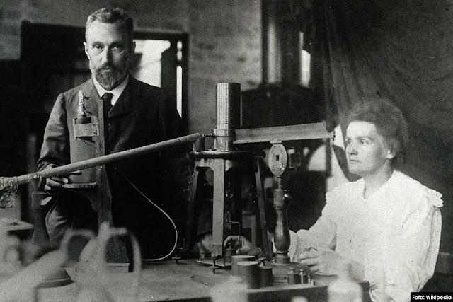 Los científicos premios Nobel Marie y Pierre Curie