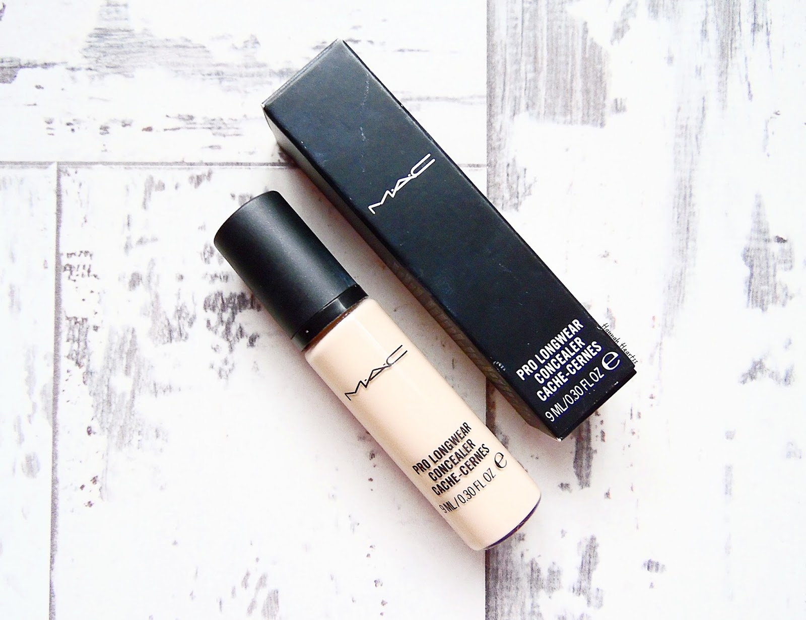 MAC Prolong Wear Concealer