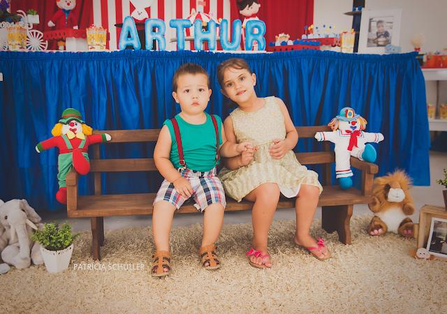 2 aninhos Arthur tema circo palhaço primos Patrícia Schüller Fotografias