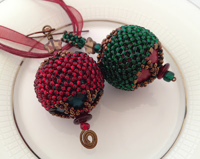 Yule Tidings: Corset and Stays Beaded Bead duo by Karen Williams