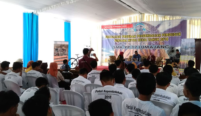 Ayub Khan saat sosialisasi di SMK YP 17 Lumajang
