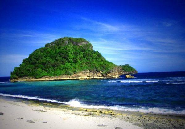 Pantai Bajul Mati - Rute dan Harga Tiket masuk