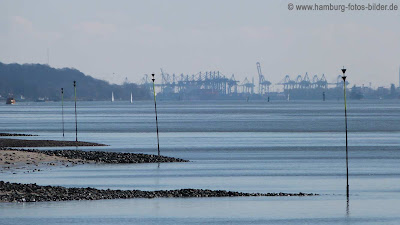 Elbe, Blick zum Hamburger Hafen