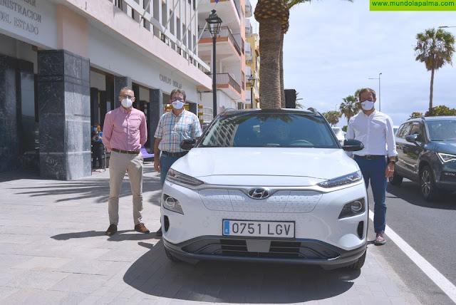 El Cabildo apuesta por la movilidad sostenible e incorpora un segundo vehículo cien por cien eléctrico a su flota