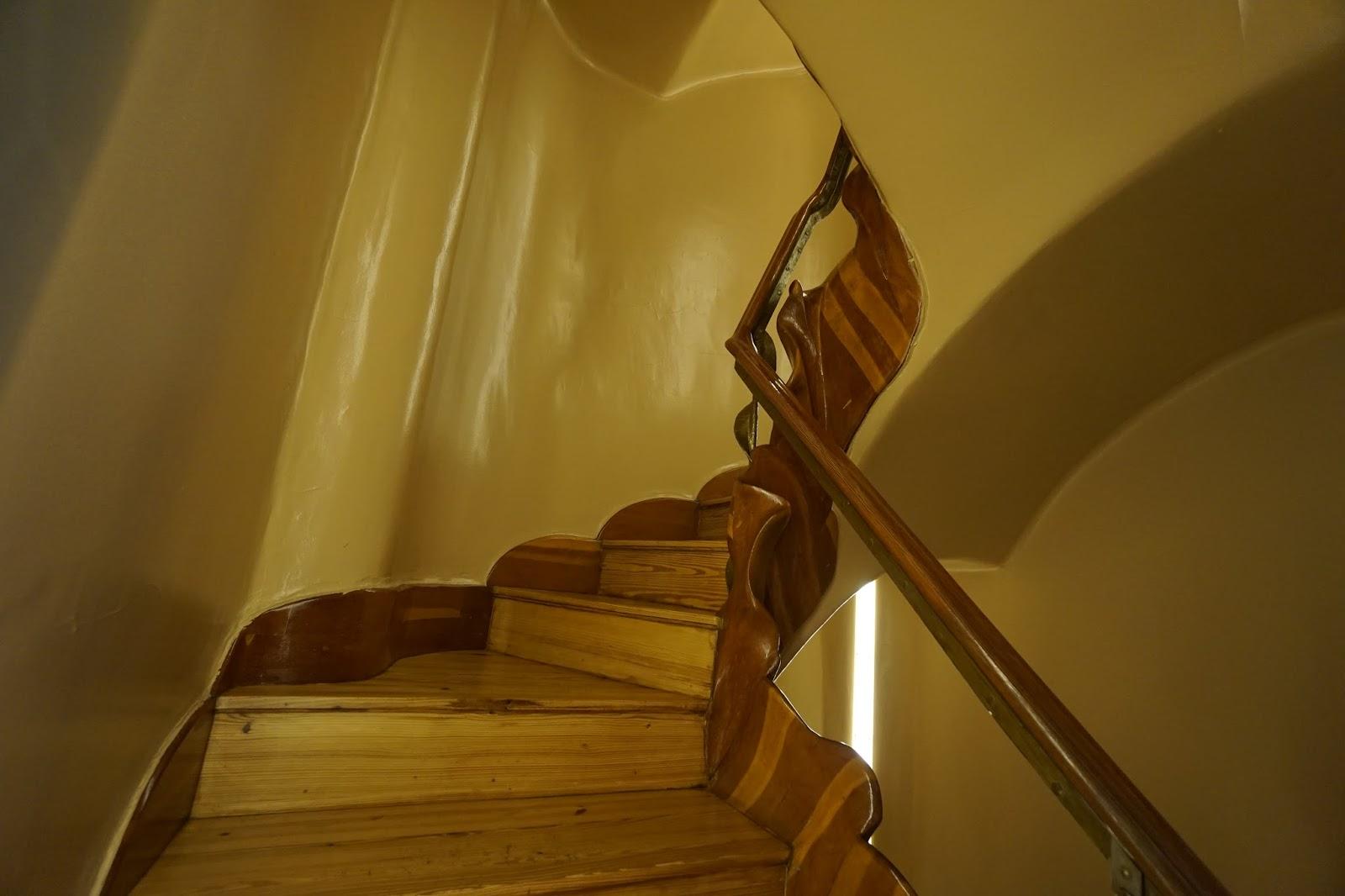 カサ・バトリョ(Casa Batlló) 3階への階段