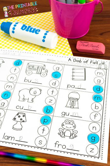On the lookout for no prep fall activities for Kindergarten? Then you're going to love these low prep math and ELA games! These easy to prep DIY games are perfect for your Kinder students, but they'll also work with in preschool or 1st grade classrooms! {Homeschool families will love these too!} Click through to see how you could use these games in September, October, or November in your primary classroom. They're also great for your fall or Halloween unit themes! Get the details now!!