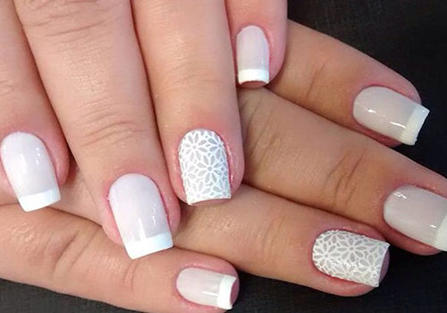 Aprenda pintar as suas unhas com tons claros sem manchar,saiba mais das dicas no blog
