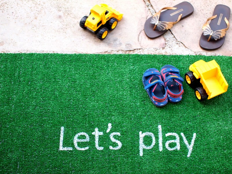 DIY Astro Turf Rug for Kids