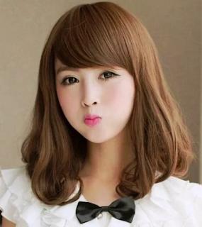 Model Rambut Sebahu Curly