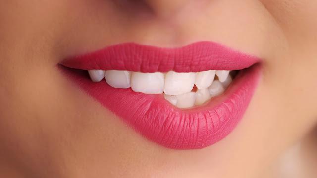 Cara Memerahkan Bibir Hitam Secara Alami Dengan Cepat