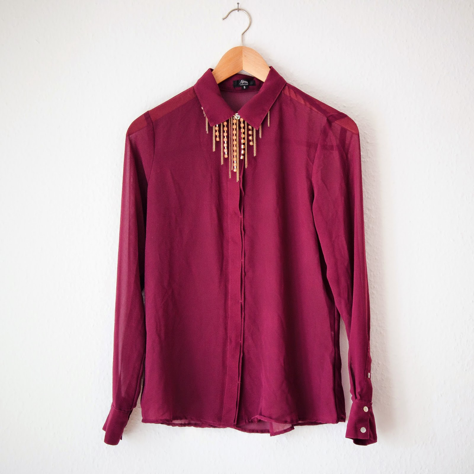 BORDEAUX BLOUSE AND GOLD CHAIN PRIZMAHFASHION