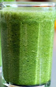 jugo verde para desintoxicar y adelgazar en