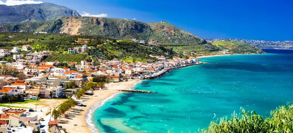 Vacanze, l'isola di Creta per un tuffo mistico e gastronomico