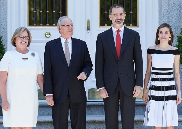 King Felipe and Queen Letizia, President Pedro Pablo Kuczynski and wife Nancy Lange. Queen Letizia wore Carolina Herrera Striped Off-The-Shoulder Knit Dress
