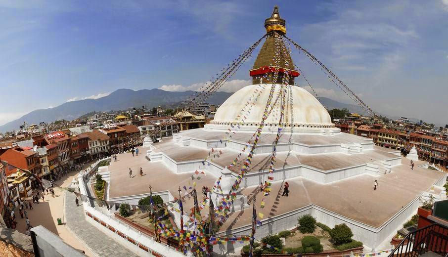 sighseeing at Bauddhanath stupa