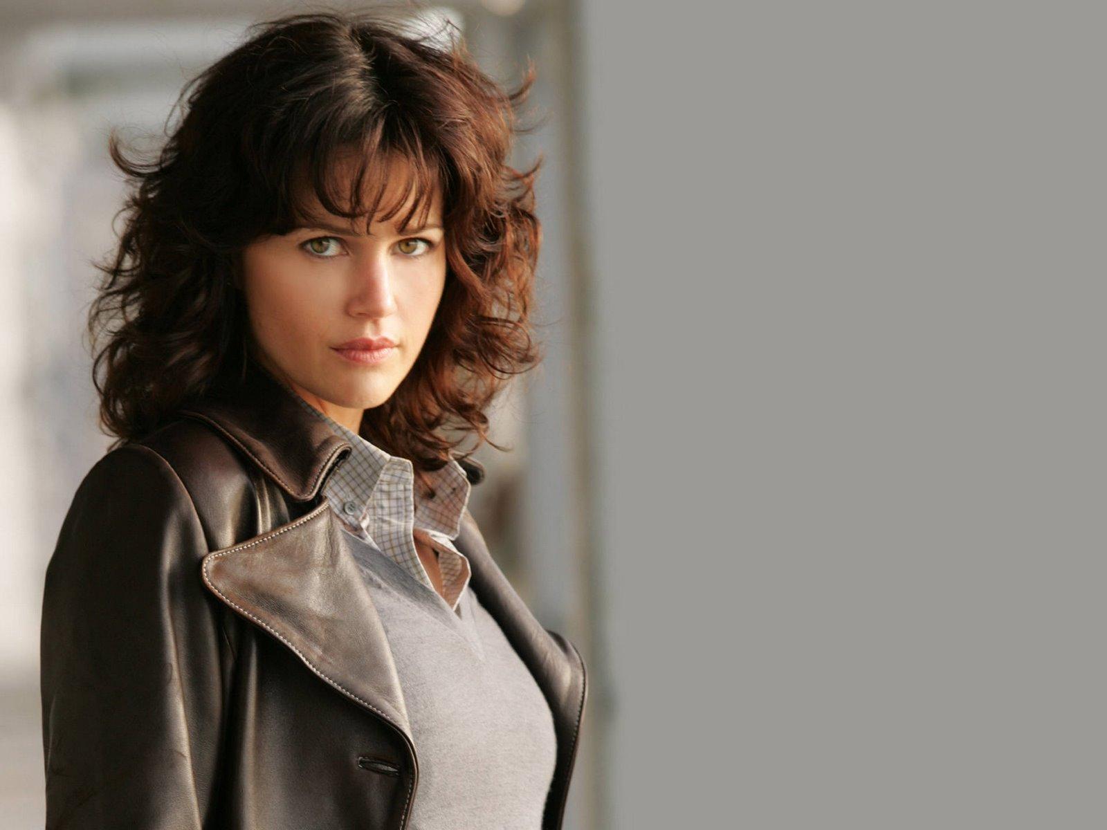 All Model and Movie Stars Photo Gallery: Carla Gugino Profile