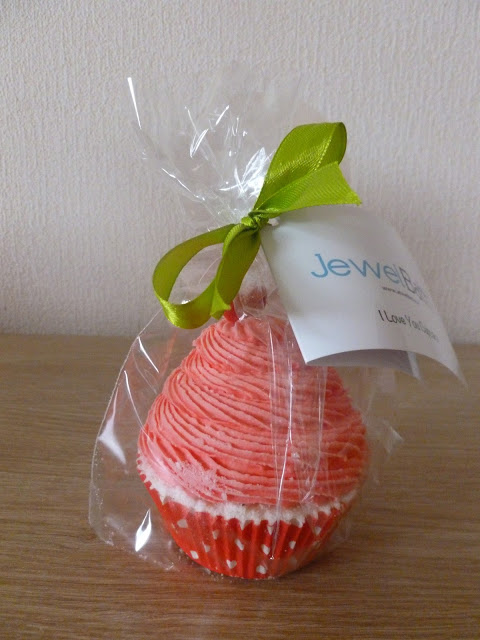 Jewel Candle Bath Bomb Cupcake And Soap Review