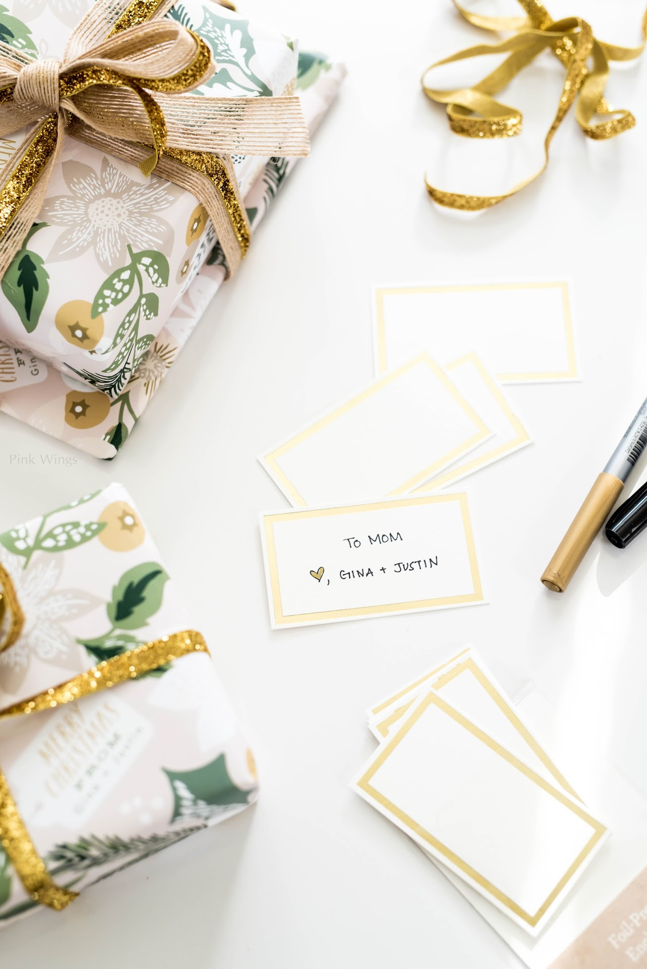 personalized gifts, gifts for people who are hard to shop for, gifts for anyone, custom gifts, personalized stationery, pretty gift wrapping, gold gift wrapping, gold ribbon, jute burlap ribbon, classy holiday wrapping paper, gold gift cards tags