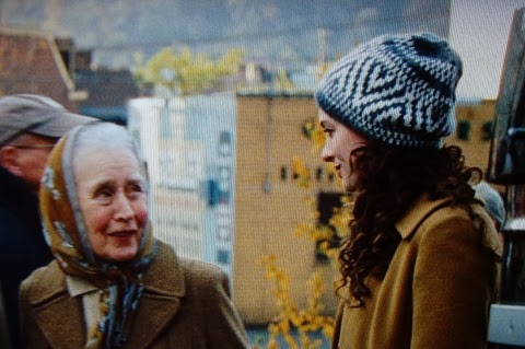 Knitted hat in Love & Other Drugs movie