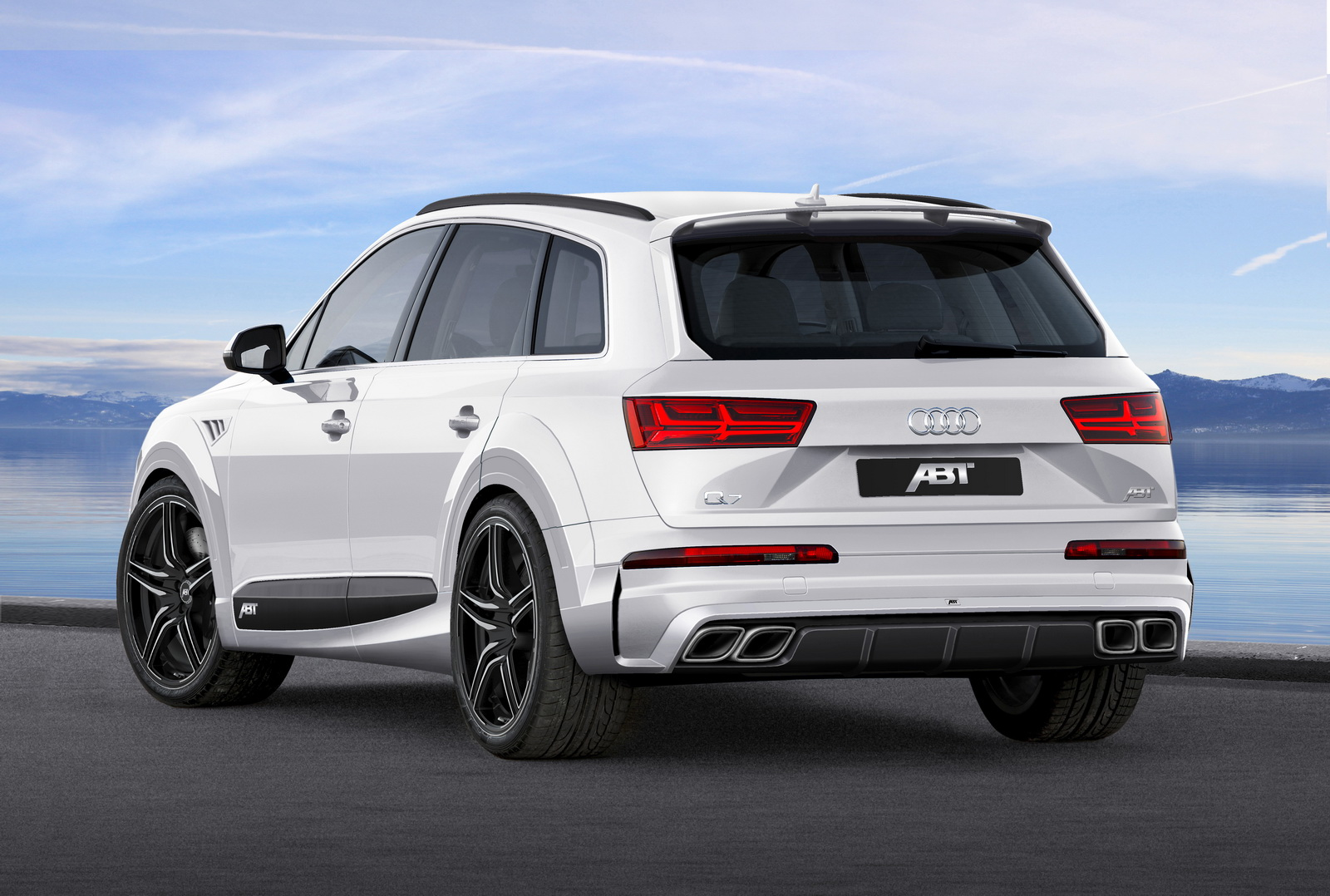 abt dresses audi q7 in sportier clothes calls it the qs7 carscoops. Black Bedroom Furniture Sets. Home Design Ideas
