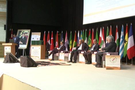 الجهوية24 - الجامعة المفتوحة للداخلة تناقش تحولات الاقتصاد العالمي الجديد