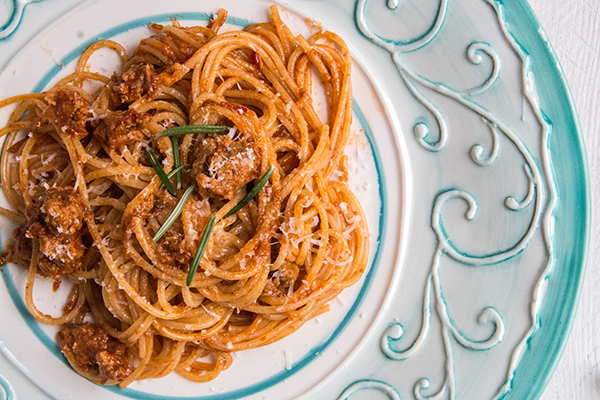 przepis na włoski makaron z wieprzową kiełbasą