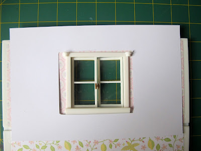 Template on top of a Lundby wall, showing that it doesn't fit.