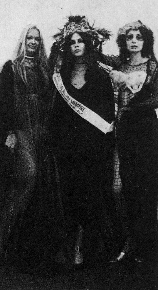 Gambar Miss Vampir