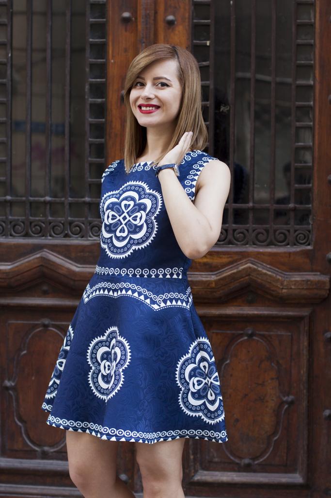 rochia cu imprimeu geometric