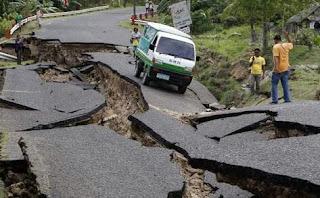 Contoh gempa bumi