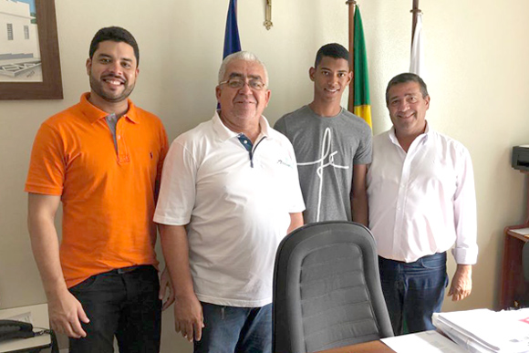 Atleta iguaraciense foi selecionado pelo Programa Ganhe o Mundo Esportivo e em breve estará embarcando para o Canadá.