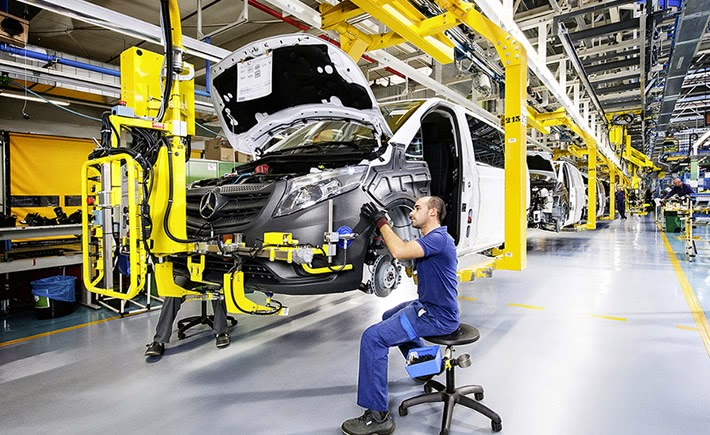 El total de ventas nacionales fue de 89,116 vehículos ligeros, es decir, 13.7% más unidades vendidas en septiembre de 2013. (Foto: Mercedes Benz)