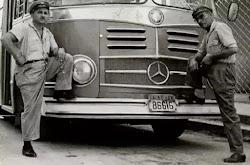Ώρα 6.00. Άγιος Σπυρίδωνας-Πειραιάς:Το λεωφορείο έτοιμο προς αναχώρηση με προορισμό τον Γερολιμένα! Κοσμοσυρροή,μικροαναστάτωση από τους ταξ...