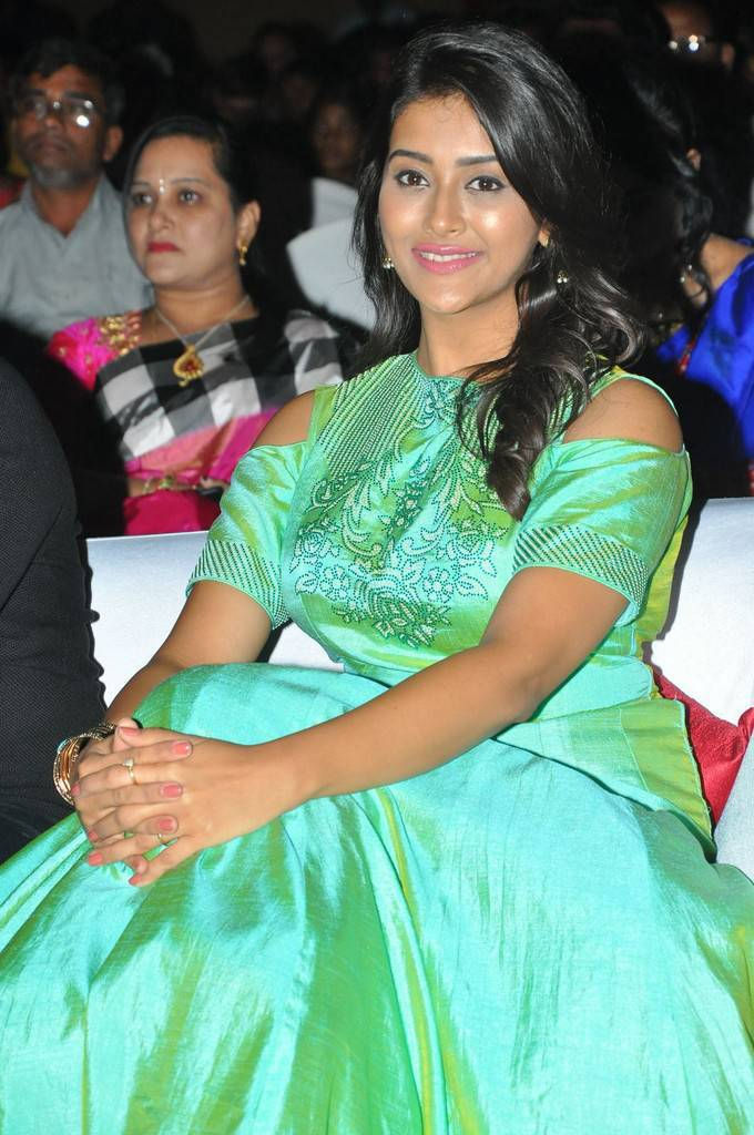 Pooja Jhaveri At Kalamandir Foundation 7th Anniversary Celebrations Stills