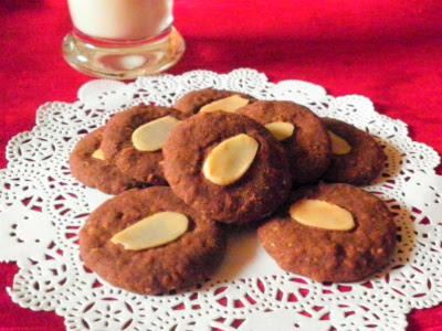 Chocolate Cereal Biscuit Recipe @ treatntrick.blogspot.com