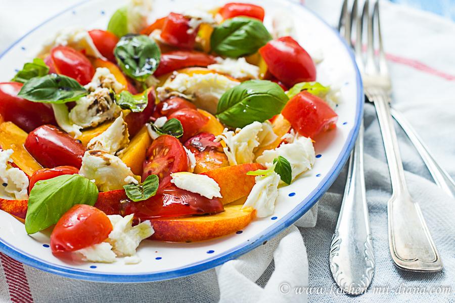 Nektarinen Caprese Salat