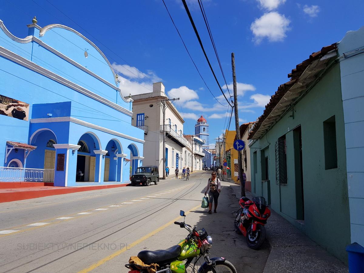 Kuba Sancti Spiritus - miasto pełne kolorowych budynków