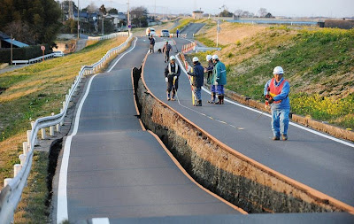 6a903a8e511 A stretch of the Great Kanto Highway in Naka, Japan looked like the huge  crater above on March 11th. The shaking left a 150-meter crack along the  main ...