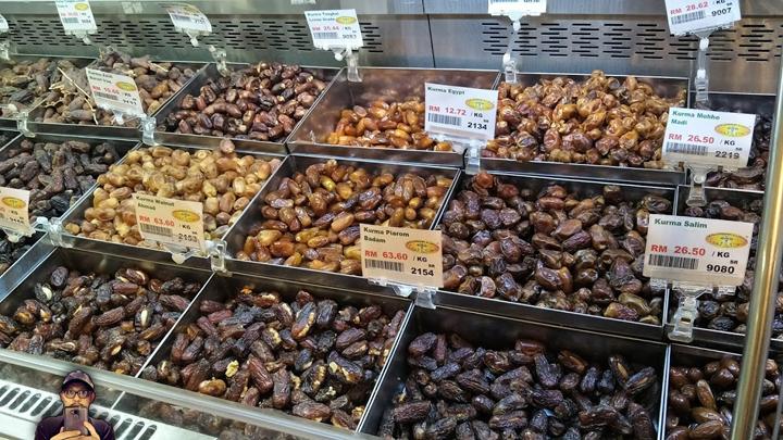Pelbagai jenis kurma dijual dengan harga murah, berpatutan dan harga borong