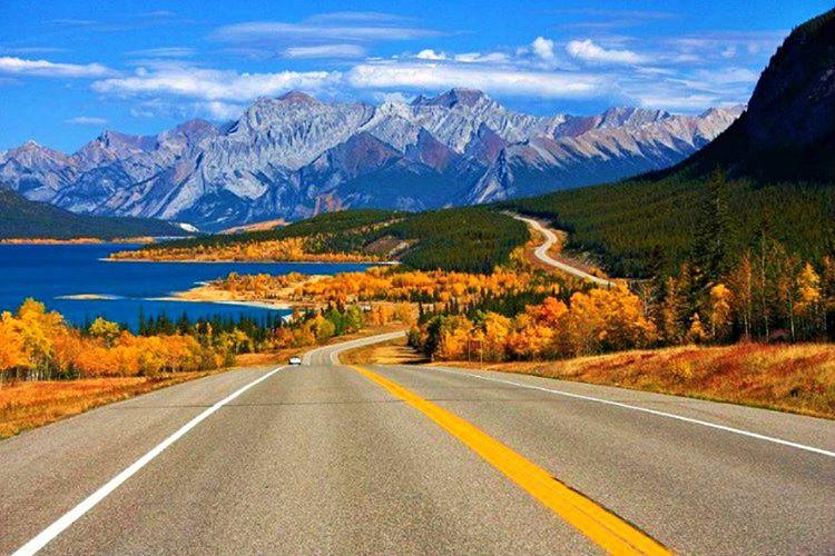 Kanada'nın %90'ı tenhadır, 7.820 KM uzunluğundaki en uzun ulusal otoyolun sahibidir.