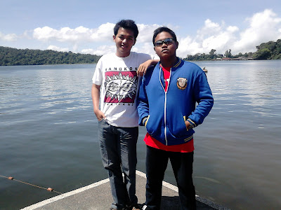 2 My friends (Chandra Widyawan & Rio Abrianto)