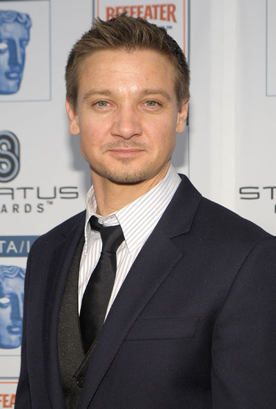 TheMovie411: Jeremy Renner In The Bourne Legacy